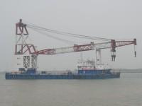 起重能力达300吨的海上浮吊